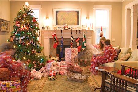 pantyhose kid - Kids Opening Presents on Christmas Morning Stock Photo - Premium Royalty-Free, Code: 600-02757084