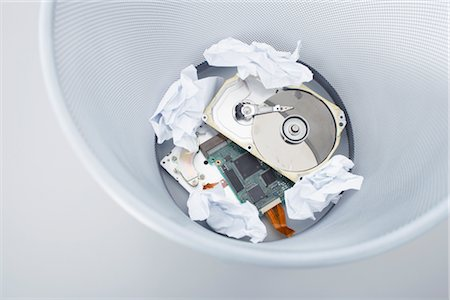 Computer Parts in Garbage Pail Stock Photo - Premium Royalty-Free, Code: 600-02801133