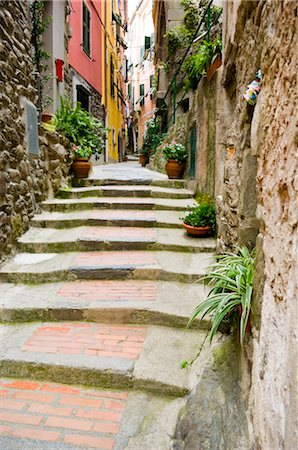 Lane, Vernazza, Province of La Spezia, Cinque Terre, Liguria, Italy Stock Photo - Premium Royalty-Free, Code: 600-02828616