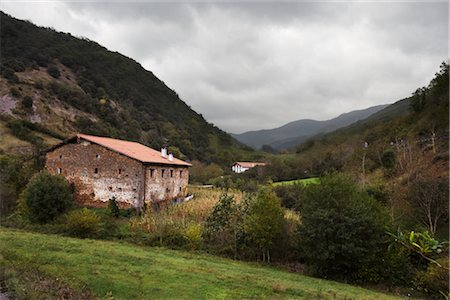 road landscape - Basque Countryside, Spain Stock Photo - Premium Royalty-Free, Code: 600-02834048