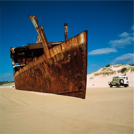 Shipwreck on Beach Stock Photo - Premium Royalty-Free, Code: 600-02885929
