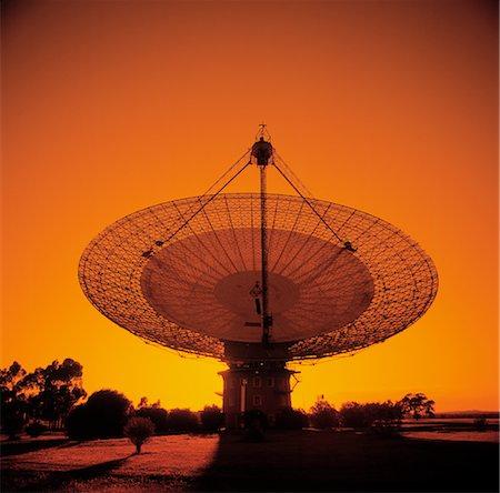 radio telescope - Radio Telescope, Satellite Receiving Dish, Sunset Silhouette Stock Photo - Premium Royalty-Free, Code: 600-02885982