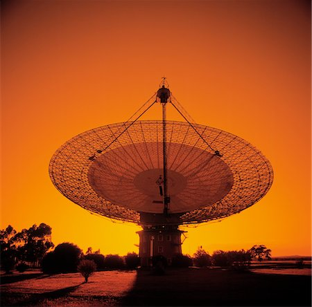 radio telescope - Radio Telescope, Satellite Receiving Dish, Sunset Silhouette Stock Photo - Premium Royalty-Free, Code: 600-02885982