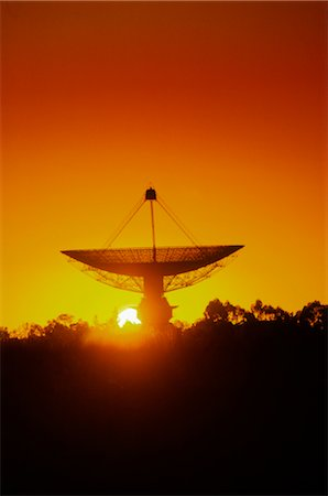 radio telescope - Radio Telescope, Satellite Receiving Dish, Sunset Silhouette Stock Photo - Premium Royalty-Free, Code: 600-02886057