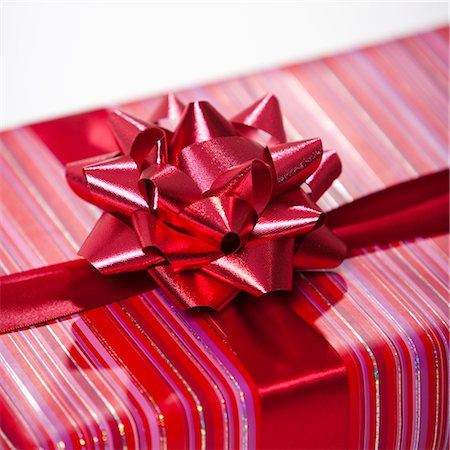 Wrapped Gift Stock Photo - Premium Royalty-Free, Code: 600-02972915