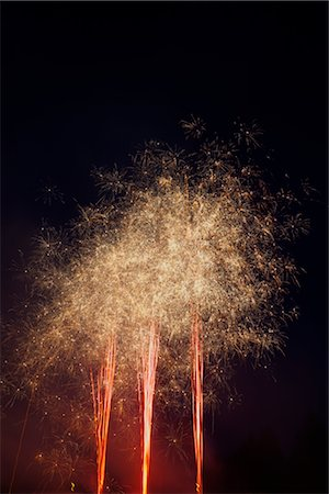 fireworks colored picture - Fireworks Stock Photo - Premium Royalty-Free, Code: 600-03004028