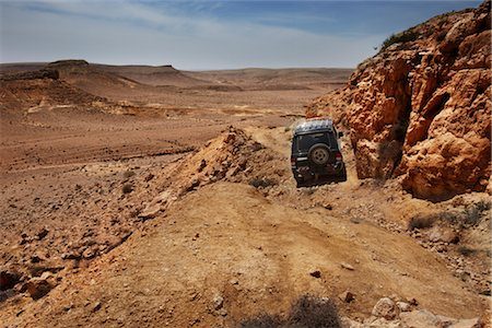 SUV in the Negev Desert, Israel Stock Photo - Premium Royalty-Free, Code: 600-03004280
