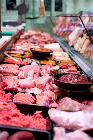 Display Case in Butcher Shop Stock Photo - Premium Royalty-Free, Code: 600-03005356