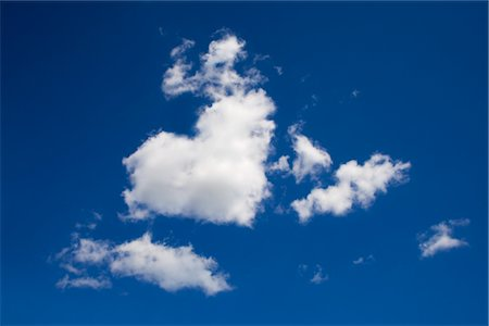fluffy - Heart Shaped Cloud Stock Photo - Premium Royalty-Free, Code: 600-03003458