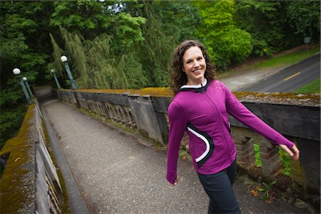 Woman on Bridge in Arboretum, Seattle, Washington, USA Stock Photo - Premium Royalty-Free, Code: 600-03017956