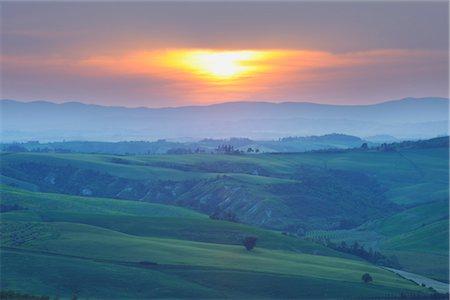 Sunset over Landscape, Montecontieri, Asciano, Tuscany, Italy Stock Photo - Premium Royalty-Free, Code: 600-03210239