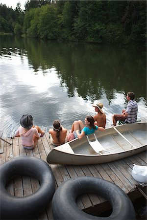 Group of teenagers Hanging Out at the Lake, Near Portland, Oregon, USA Stock Photo - Premium Royalty-Free, Code: 600-03210545