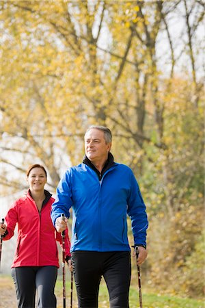 fitness   mature woman - Couple Hiking Stock Photo - Premium Royalty-Free, Code: 600-03404918