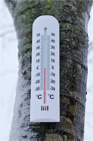 Thermometer Showing Freezing Point Stock Photo - Premium Royalty-Free, Code: 600-03407531