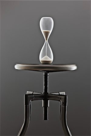 Hour Glass on Stool Stock Photo - Premium Royalty-Free, Code: 600-03448791