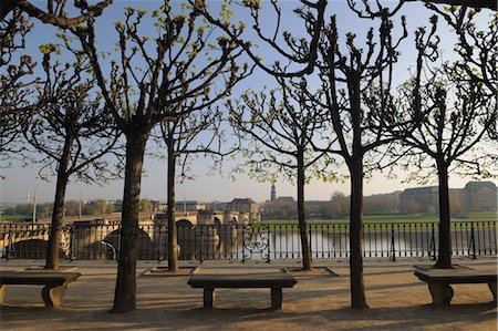 Bruhl's Terrace in the Morning, Augustus Bridge, Dresden, Saxony, Germany Stock Photo - Premium Royalty-Free, Code: 600-03478667