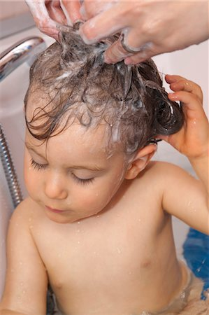 Baby Boy Having a Bath Stock Photo - Premium Royalty-Free, Code: 600-03485056