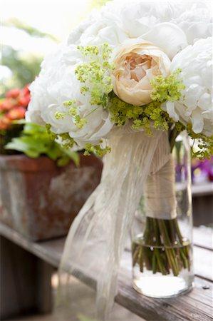 peony - Wedding Bouquet Stock Photo - Premium Royalty-Free, Code: 600-03520483