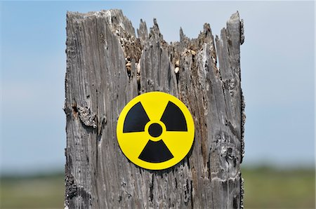 poison - Radioactive Symbol Stock Photo - Premium Royalty-Free, Code: 600-03601407