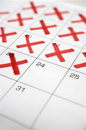 Calendar with X's up to the 24th Stock Photo - Premium Royalty-Free, Code: 600-03615734