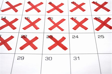 Calendar with X's up to the 24th Stock Photo - Premium Royalty-Free, Code: 600-03615735