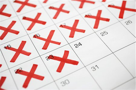 Calendar with X's up to the 24th Stock Photo - Premium Royalty-Free, Code: 600-03615736