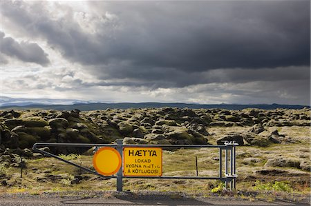 Rood Block Sign due to Mount Katla Eruption, Iceland Stock Photo - Premium Royalty-Free, Code: 600-03659325
