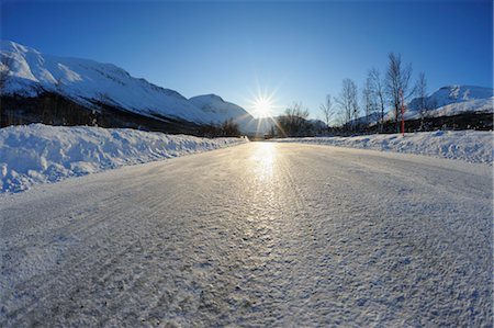 Icy Road, Breivikeidet, Troms, Norway Stock Photo - Premium Royalty-Free, Code: 600-03665462
