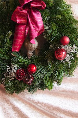 Christmas Wreath Stock Photo - Premium Royalty-Free, Code: 600-03685784