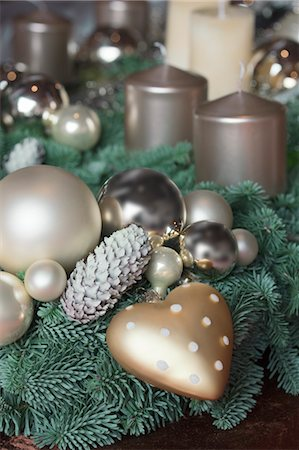 Christmas Decorations Stock Photo - Premium Royalty-Free, Code: 600-03685948