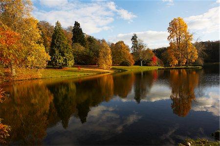 fall trees lake - Autumn in Stourhead, Wiltshire, England Stock Photo - Premium Royalty-Free, Code: 600-03686060