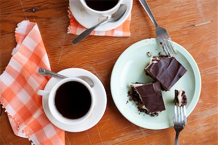 Gluten-free Nanaimo Bars and a Cup of Coffee, Vancouver, British Columbia, Canada Stock Photo - Premium Royalty-Free, Code: 600-03698384