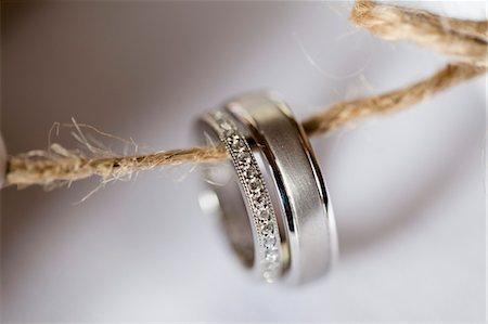 Close-up of Wedding Rings Stock Photo - Premium Royalty-Free, Code: 600-03692119