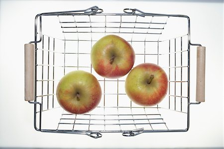 Apples in Shopping Basket Stock Photo - Premium Royalty-Free, Code: 600-03738174