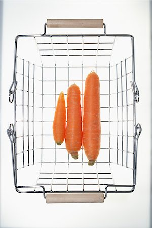 Carrots in Shopping Basket Stock Photo - Premium Royalty-Free, Code: 600-03738175