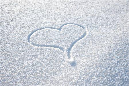 Heart Shape in Snow Stock Photo - Premium Royalty-Free, Code: 600-03738782