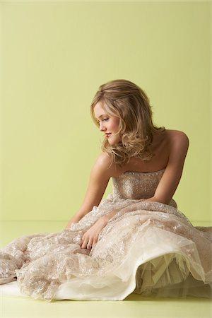 Portrait of Bride Stock Photo - Premium Royalty-Free, Code: 600-03775698