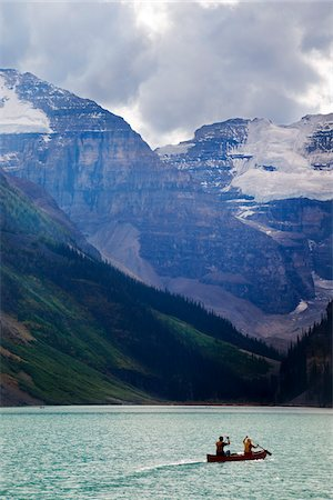 Canoeists on Lake Louise with Mounts Lefroy and Victoria, Banff National Park, Alberta, Canada Stock Photo - Premium Royalty-Free, Code: 600-03805333