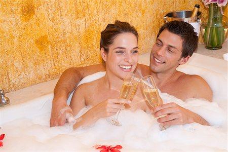 Couple in Jacuzzi, Reef Playacar Resort and Spa, Playa del Carmen, Mexico Stock Photo - Premium Royalty-Free, Code: 600-03849679