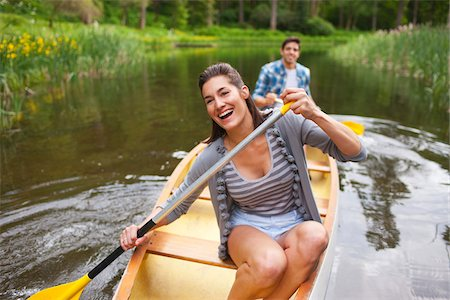 recreational pursuit - Couple Canoeing, Columbia River Gorge, Oregon, USA Stock Photo - Premium Royalty-Free, Code: 600-03865338