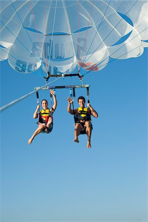 Couple Paragliding, Reef Playacar Resort and Spa, Playa del Carmen, Mexico Stock Photo - Premium Royalty-Free, Code: 600-03891039