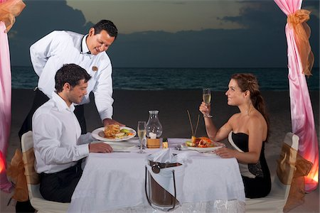 Couple Dining on Beach, Reef Playacar Resort and Spa, Playa del Carmen, Mexico Stock Photo - Premium Royalty-Free, Code: 600-03891050