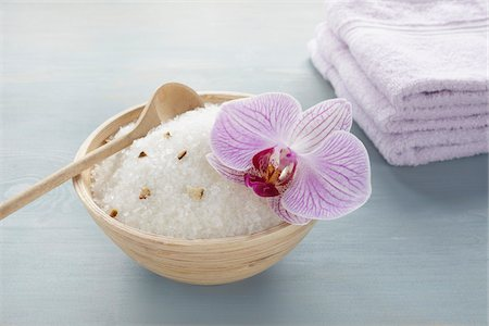 Bath Salts with Orchid Stock Photo - Premium Royalty-Free, Code: 600-03907472