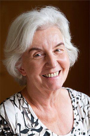 Close-up Portrait of Woman Stock Photo - Premium Royalty-Free, Code: 600-03958256