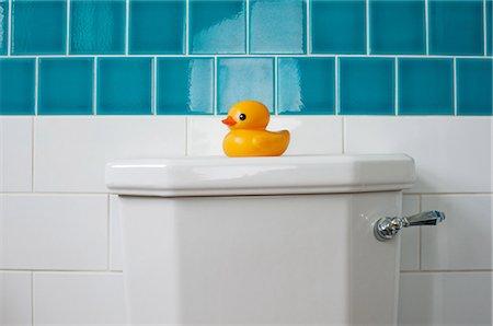Rubber duck on toilet Stock Photo - Premium Royalty-Free, Code: 614-05955607