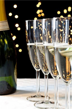 sparkling - Bottle and glasses of champagne Stock Photo - Premium Royalty-Free, Code: 614-06002087