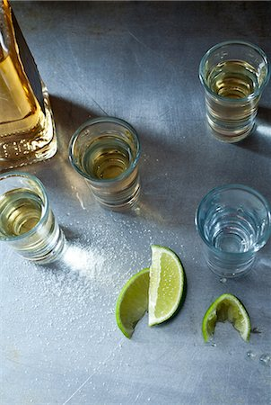 spill - Tequila shots Stock Photo - Premium Royalty-Free, Code: 614-06002089