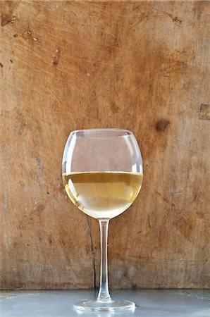 Glass of white wine Stock Photo - Premium Royalty-Free, Code: 614-06002092