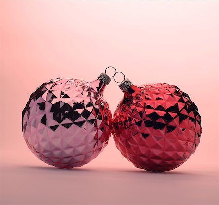 Pink and red Christmas baubles Stock Photo - Premium Royalty-Free, Code: 614-06002230