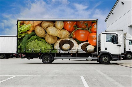 Truck with vegetables parked outside distribution warehouse Stock Photo - Premium Royalty-Free, Code: 614-06169098